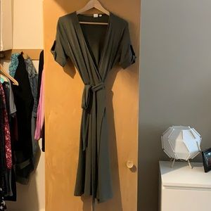 Short sleeve wrap dress.